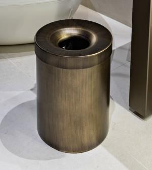 Papelera de acero