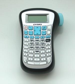 Etiquetadora para grabar nombres