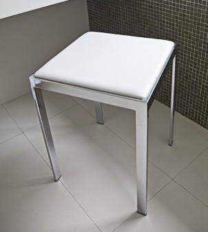 Taburete con asiento de cuero sintético