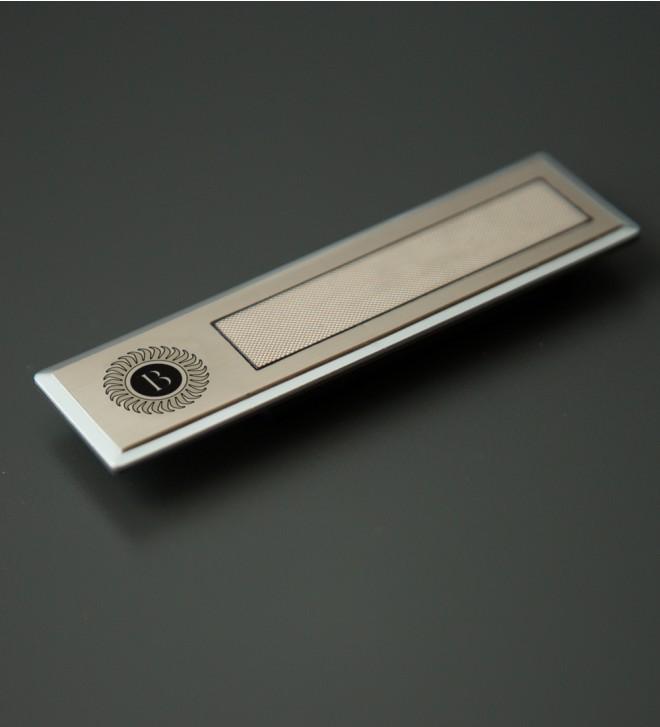 Placa de identificación rectangular
