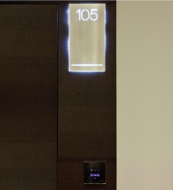 Placa grande para la puerta. Transformador no incluido